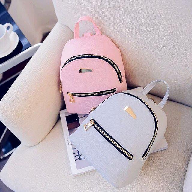 """774 curtidas, 23 comentários - LOJA LUMMIE (@lojalummie) no Instagram: """"Nossa mochila de couro é maravilhosa e está disponível em 3 cores: preto, rosa e cinza  Corre lá…"""""""
