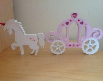 Pintadas de rosa unicornio madera y carro de princesa