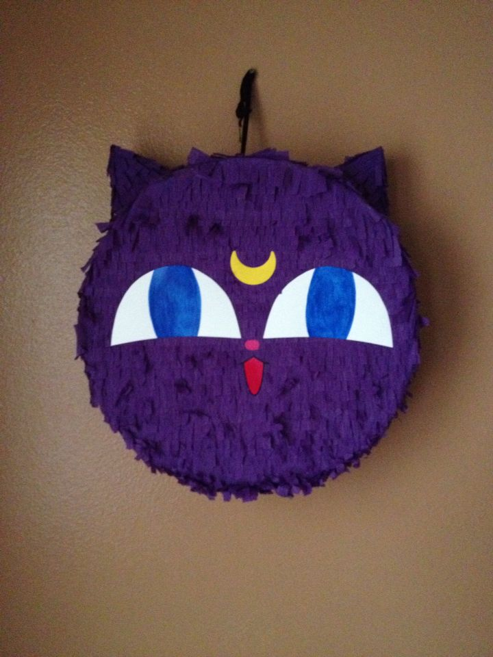 Sailor moon Luna P piñata