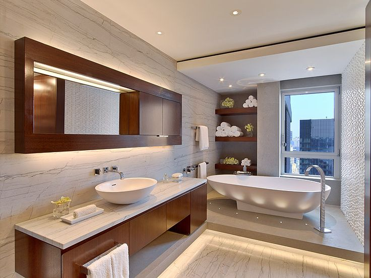 Great bathroom in the Sovereign residence