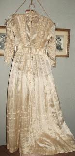 Early Edwardian Dress
