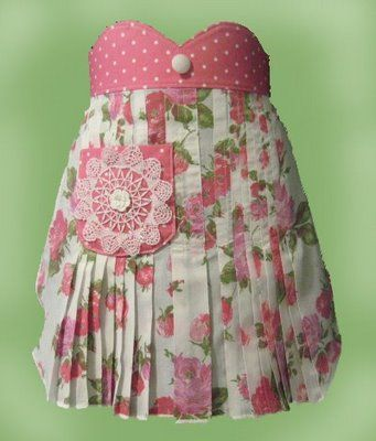 vintage 50's pink apron, made from   a piece of 1950's vintage cabbage rose fabric.