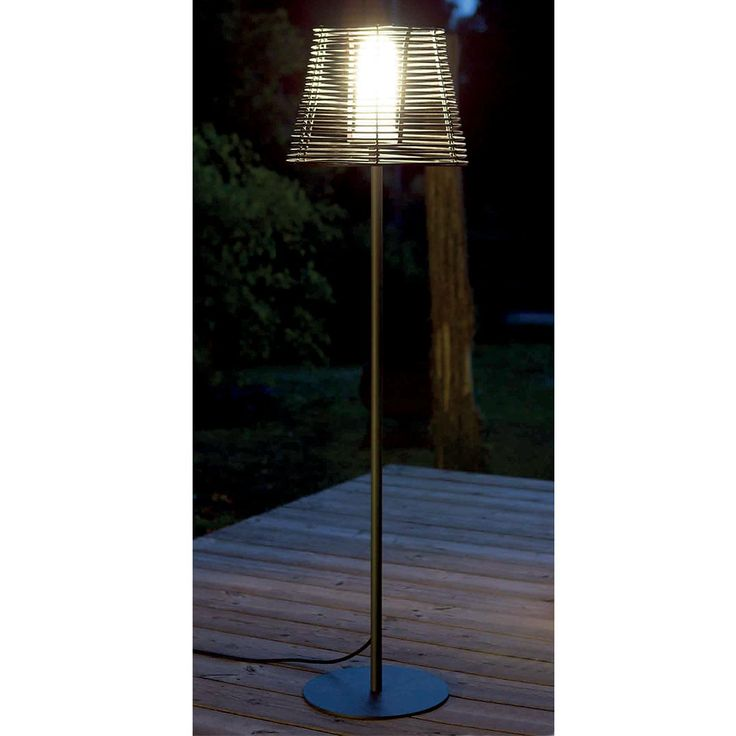 17 meilleures id es propos de lampadaire jardin sur for Lampadaire pour terrasse exterieur