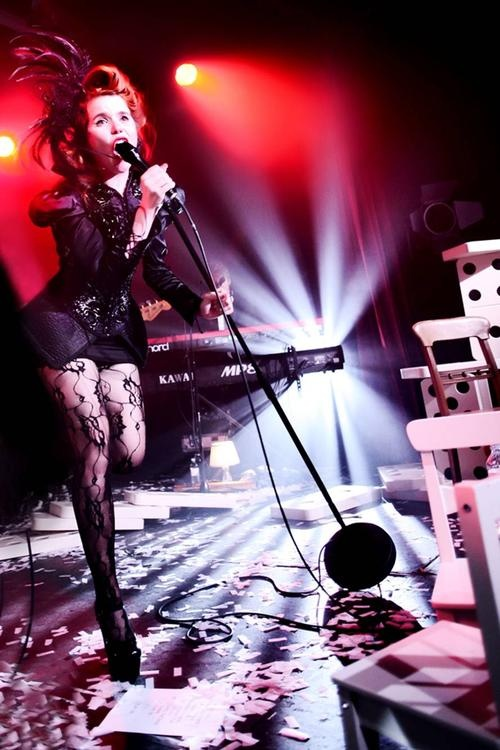 Paloma Faith on stage... Aah I'd love to see her live!