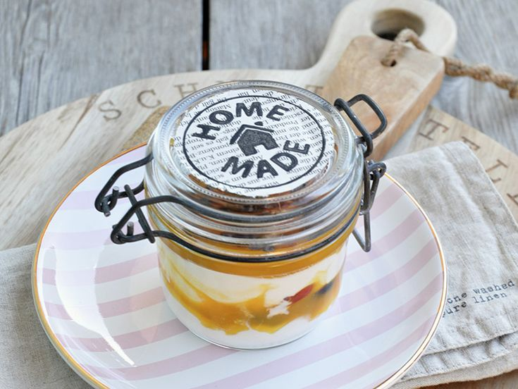DIY-Anleitung: Joghurt mit Orangen-Mango-Creme und Schokonibs selber machen via DaWanda.com