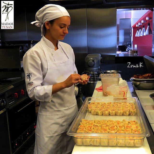 #zonakbogota #zonak #restaurantemadamtusan #usaquen Elaboración de Dimsum