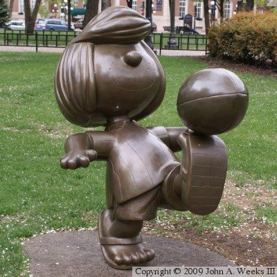 Peppermint Patty bronze statue in St. Paul, MN