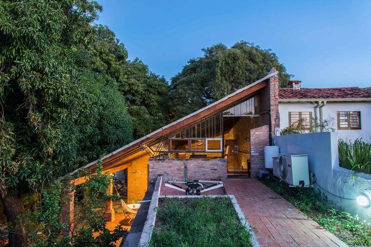 Las Mercedes House-Workshop / Lukas Fúster