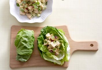 Curried Chicken and Apple Lettuce Wraps - 15 healthy back-to-school lunch ideas