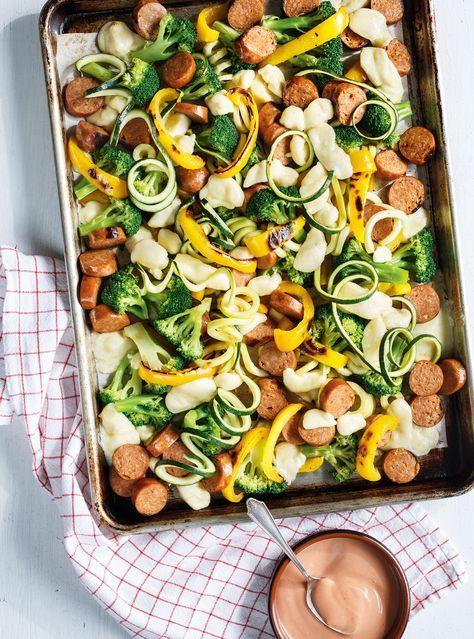Plaque de saucisses, légumes et fromage en grains   Ricardo   brocoli • poivrons • courgettes