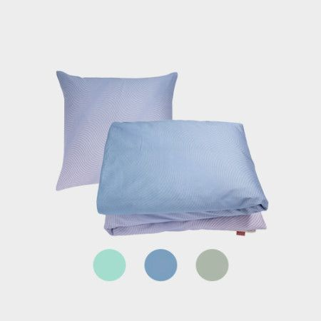 Waves Bedlinen from PYTT Living available in three different colors with minimalistic print.