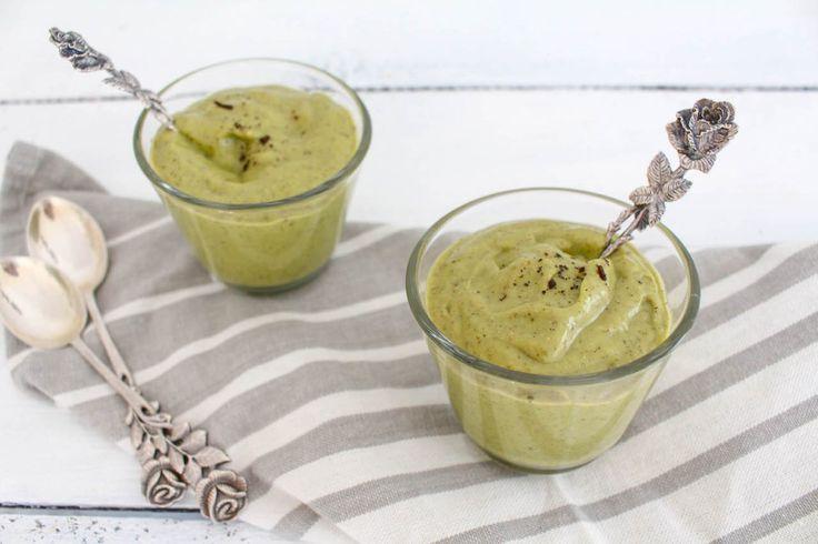 Avocado Vanillepudding - gesund, vegan, vegetarisch, ohne Haushaltszucker - de.heavenlynnhealthy.com