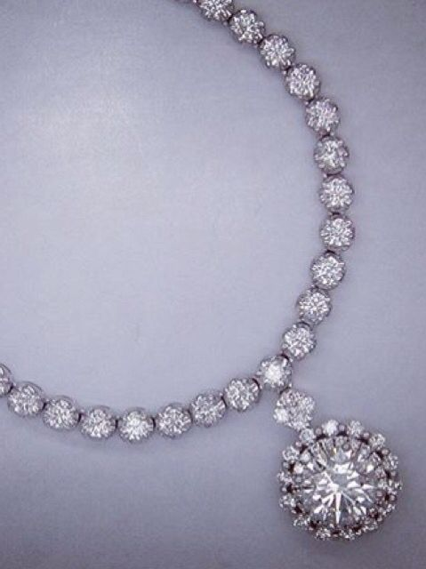 Diamond eternity necklace set with F-color vvs1 2.23carat GIA round diamond