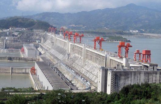 Presa de las Tres Gargantas  http://blogingenieria.com/ingenieria-civil/5-centrales-hidroelectricas-mas-grandes/