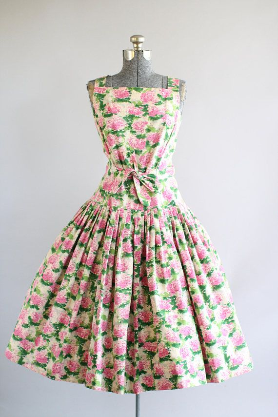 Vintage 1950s Dress / 50s Party Dress / Blum's Vogue Chicago Pink and Green Hydrangea Print Party Cocktail Wedding Dress w/ Waist Tie S