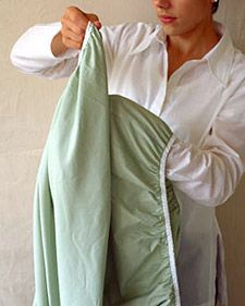 0506_msl_sheet_ht1.jpg How to fold a fitted sheet