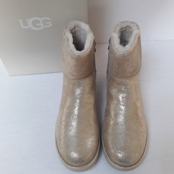 720f143b6 New UGG Gold Abree oots Size 9 Brand new in box, UGG Agree Mini Stardust