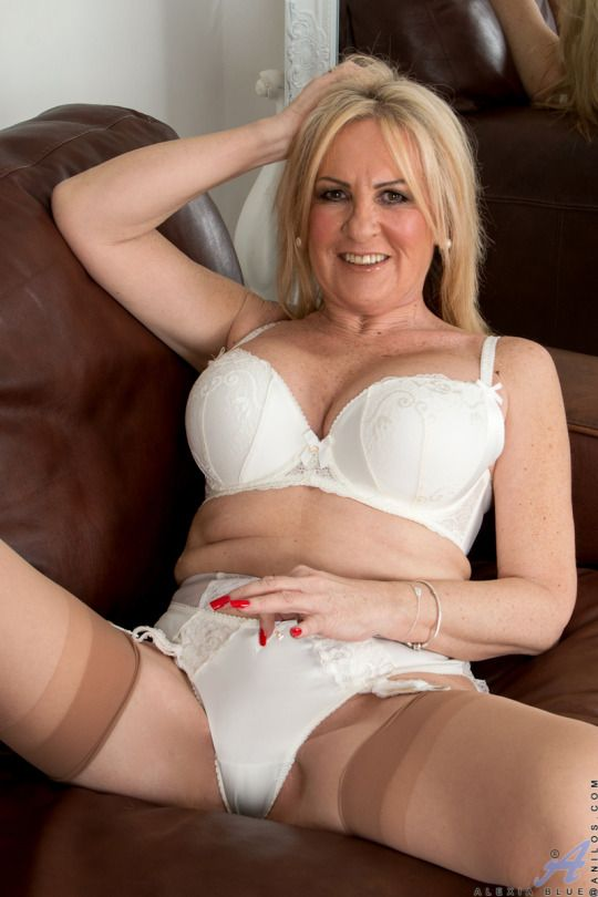 Blond English Mature Women 5