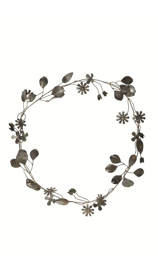 Are there grey flower crowns on the market? Is there even such a thing? Probably not, but I would so wear one if I could...