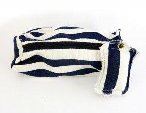Estuche marinero azul y blanco con llavero