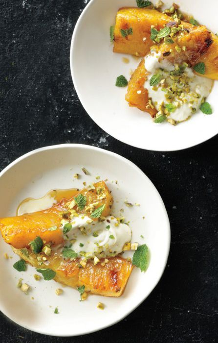 roasted pineapple with honey & pistachio // a relatively healthy little dessert!