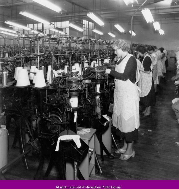 Knitting History Society : Women operating knitting machines at phoenix hosiery
