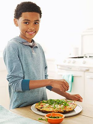 Cooking with Kids: Pizza Frittata (via FamilyFun Magazine)