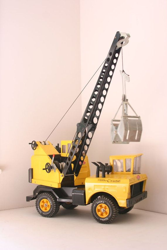 VTG Metal Tonka crane with scoop by fuzzymama on Etsy, $85.00.   I had one of these. I remember to line on the crane always getting tangled.