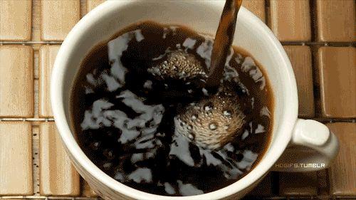 Por que beber café dá vontade de fazer cocô? | SOS Solteiros