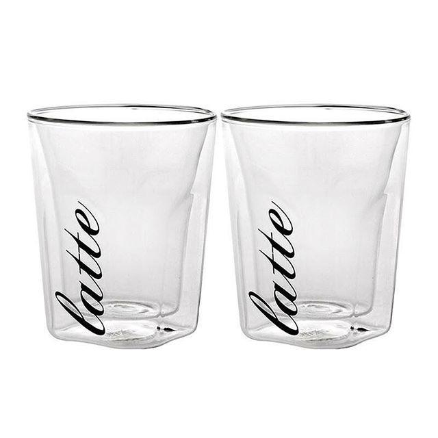 👌нет повода не выпить латте❗️❗️❗️Стакан для латте BARISTA,наб.2 шт., - 2990 руб. в подарочнйо упаковке  Какой кофе вы предпочитаете? Если вы поклонник латте, значит, вам просто необходимо купить набор BARISTA из 2 стаканов. Помимо того, что это невероятно красиво, это еще и очень удобно. За счет двойных стенок стакана горячий кофе не обожжет вам руки. Прозрачный сосуд, в отличие от чашки, позволяет увидеть слоистость латте, состоящего из эспрессо, молока и воздушной молочной пены. Отличный…