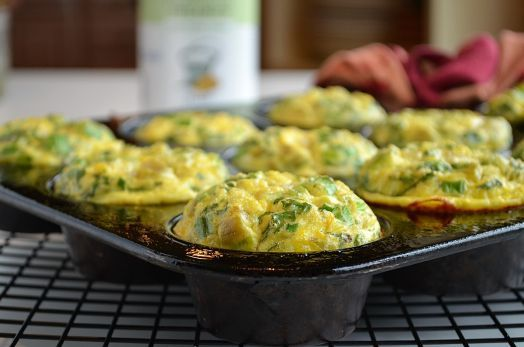 Egg muffins, Chile and Muffins on Pinterest