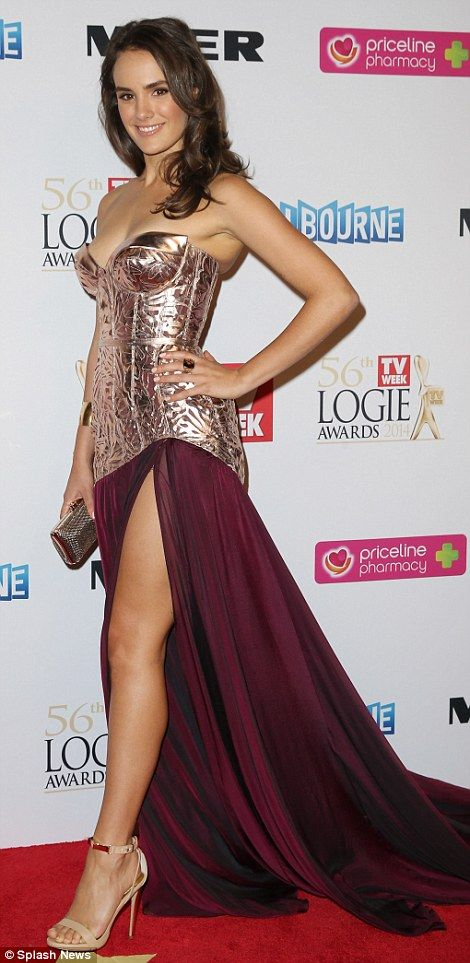 Cassie Howarth Logies 2014