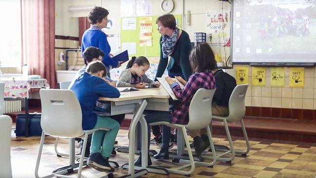 Co-teaching is erg waardevol voor leerlingen en leraren. Maar hoe werkt dat precies, 2 leraren voor de klas? Alles begint met een goede planning en duidelijke afspraken.
