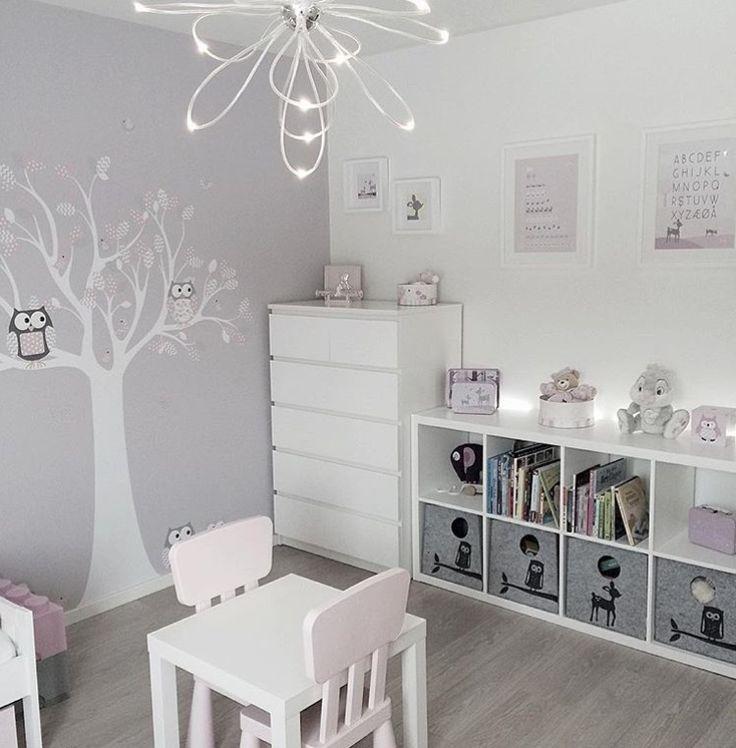 Ein ruhiges Kinderzimmer. Wir kommen zu Ihnen nach Hause, nehmen die Größe Ihres Raumes wahr und entwerfen Ihre Möbel von unserem Team von Innenarchitekten. Sie können …