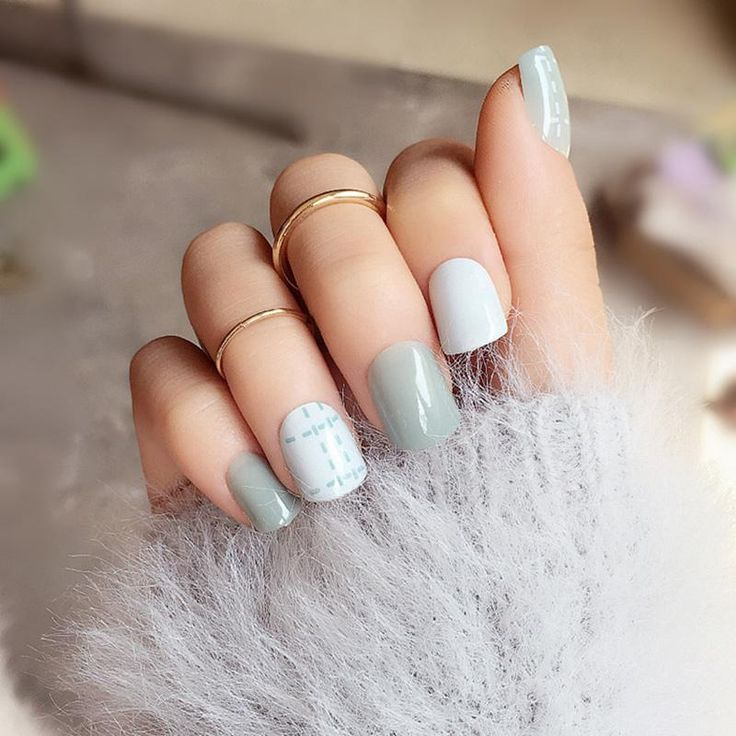 [Visit to Buy] 24pcs Light Blue Line Fake Nail Art Decoration Striated Short Square White Head Full Cover False Nails Tips with Glue Sticker #Advertisement