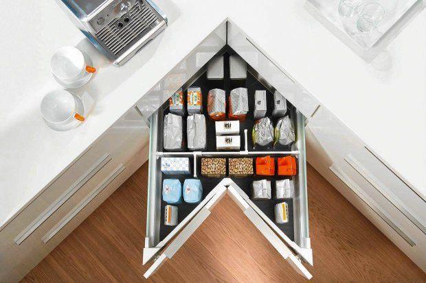 Narożne szafki i szuflady w kuchni