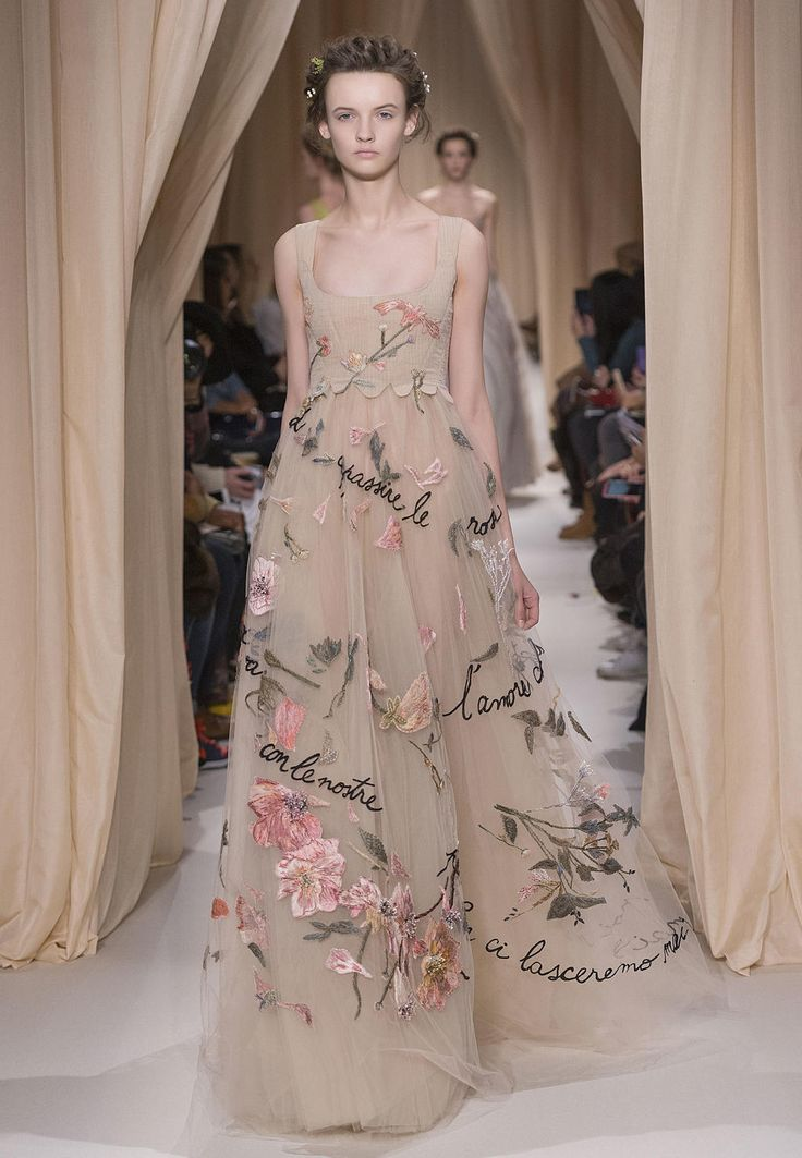Valentino Official Website - Valentino Women Haute Couture Spring Summer 2015 Collection.