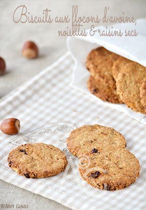 I famosissimi biscotti Gran Cereale frutta…  Vous connaissez ?  Non ?  Peu importe… vous aimerez sans doute cette version maison ! Des biscuits croustillants, agréablement parfumés et raisonnablement riches ! Délicieux à tout moment…