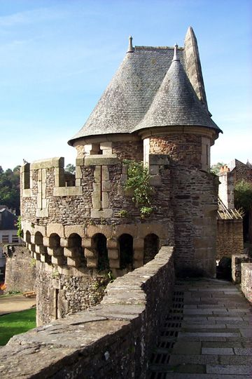 Château_de_Fougères  - Fougères, Ille-et-Vilaine department in Brittany in northwestern France.  Fougères' most famous monument and attraction is the Château de Fougères, a medieval stronghold built atop a granite ledge.