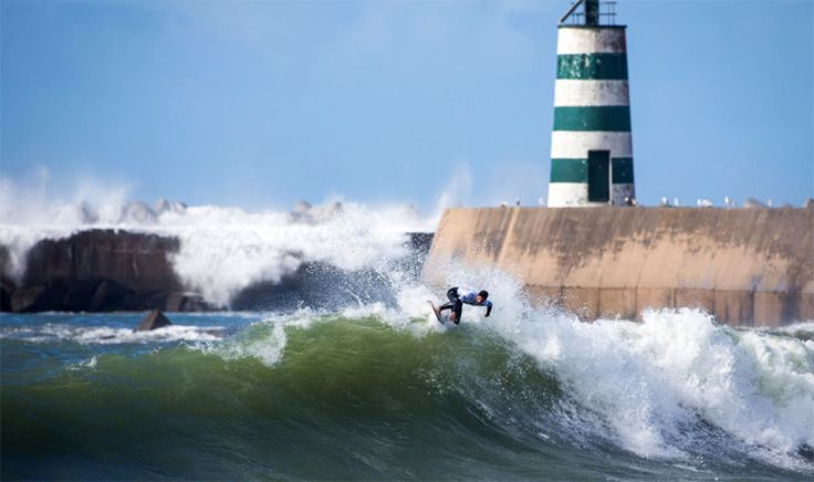Peniche is the world's first sustainable surf destination - via Surfer Today 26-09-2017 | Peniche, home of Supertubos, has become the first surf town to receive the Stoke Surf Destinations certification. Peniche: home of the Rip Curl Pro Portugal | Photo: Poullenot/WSL