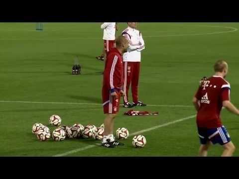 Pep Guardiola. El clásico Rondo 4x4+3 Pivotes utilizado por Pep Guardiola en el Bayern Munich - YouTube