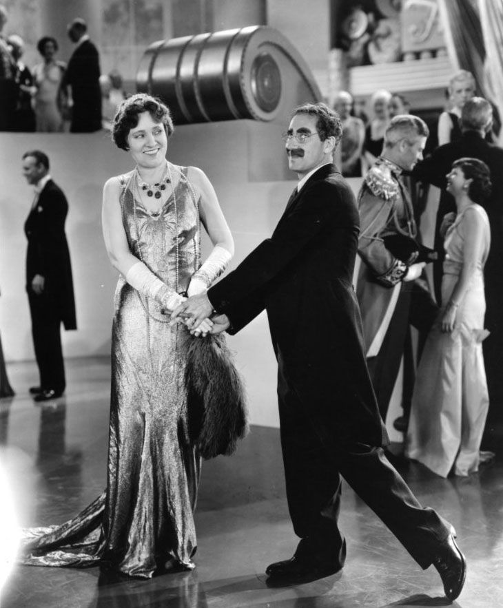 "Groucho Marx y Margaret Dumont en ""Sopa de Ganso"" (Duck Soup), 1933"