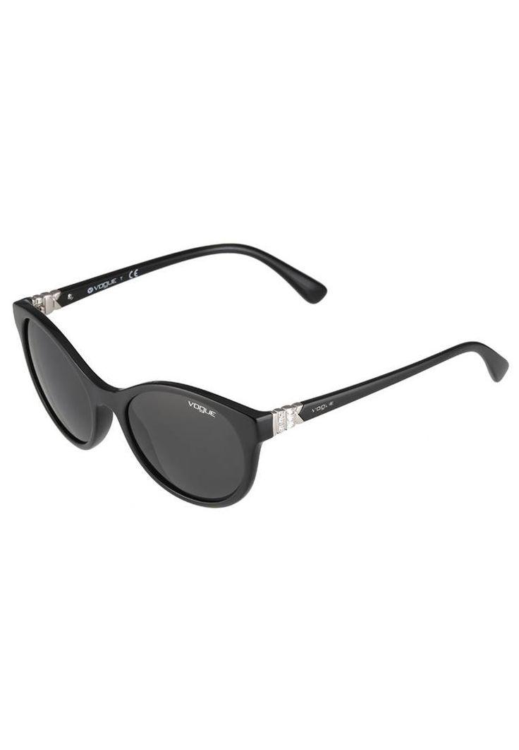 VOGUE Eyewear. Sonnenbrille - black. #sunglasses #sonnenbrillen #fashion #zalandoDE Breite:14 cm bei Größe 52. Bügellänge:14 cm bei Größe 52. Stegbreite:1.8 cm bei Größe 52. UV-Schutz:ja. Brillenform:Schmetterling. Brillenetui:Hartschale. Muster:unifarben
