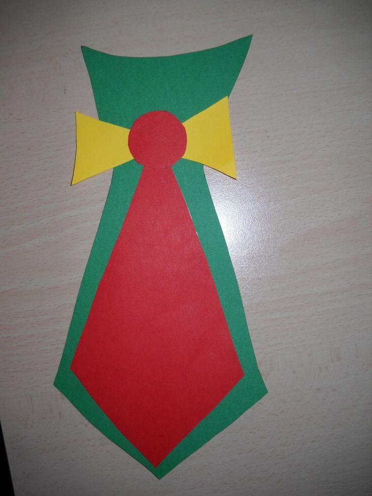 Vogliamo regalare al nostro papà un vestito nuovo e bellissimo? Occorre: un cucchiaio di legno cartoncino colorato colla Riportiamo leSagome delvestito per papa'sul cartoncino,ritagl…