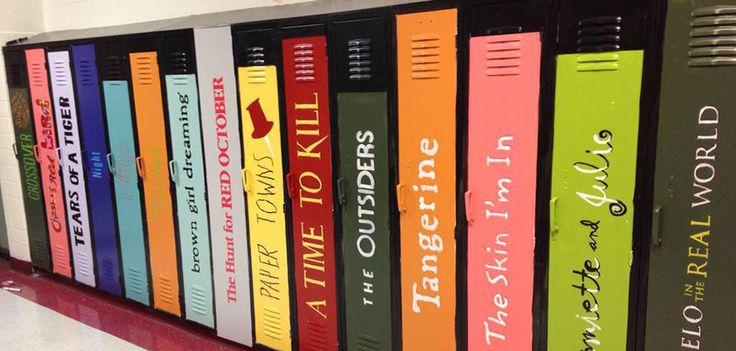 Un lycée peint ses casiers et les transforme en bibliothèque géante
