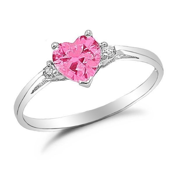 You can buy cute promise rings at any time from our large catalogue at the best prices. Symbolize your love and show your girlfriend that you are prepared to spend the rest of your life with her.
