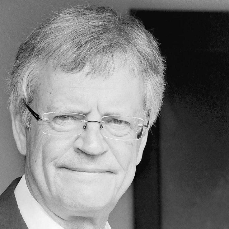 - Pascal Boniface - Géopolitologue et Directeur de l'IRIS (Institut des Relations Internationales et Stratégiques) #ues2015 @ue_sport #sport #sportforall #europe #culturesportive #challenge #cooperation