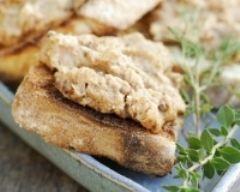 Toasts aux rillettes de poulet et herbes de Provence (facile, rapide) - Une recette CuisineAZ