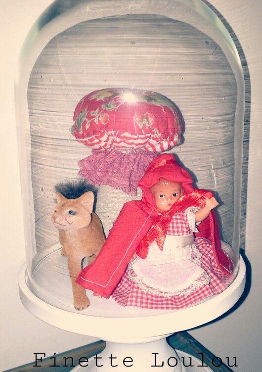 Petit chaperon rouge sous cloche ☆