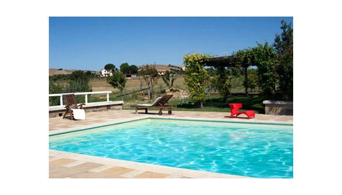 #CAPALBIO (GR) - Una villa da sogno, situata su uno splendido poggio, circondata dal verde, con vista a 360° su mare, torre di Capalbio, uliveto e campagna circostante. http://www.bimoimmobili.it/Immobile/Strada-Diaccialone-174.html
